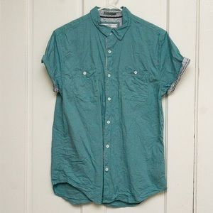 Turquoise short sleeved button up shirt